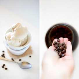 Granos de café enteros y un tazón de café casero helado de coco.