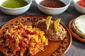 Huevos Revueltos Y Chorizo Mexicano