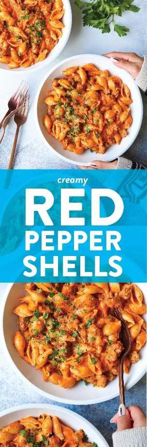 Cáscaras de pimiento rojo cremoso: salchicha italiana desmenuzada, parmesano, albahaca y la salsa de crema de pimiento rojo más EPIC. ¡Es irresistible y completamente adictivo!