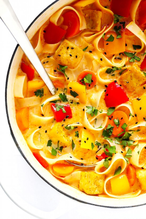 "Everyday Thai Red Curry ""width ="" 1392 ""height ="" 2088 ""data-pin-description ="" Esta receta de Everyday Thai Red Curry es súper rápida y fácil de hacer, naturalmente libre de gluten y totalmente personalizable con cualquier vegetal, proteína ( Por ejemplo, pollo, camarones, ternera, tofu o fideos que tenga a mano. ¡Es perfecto para cenas fáciles o para preparar comidas saludables para la próxima semana! 