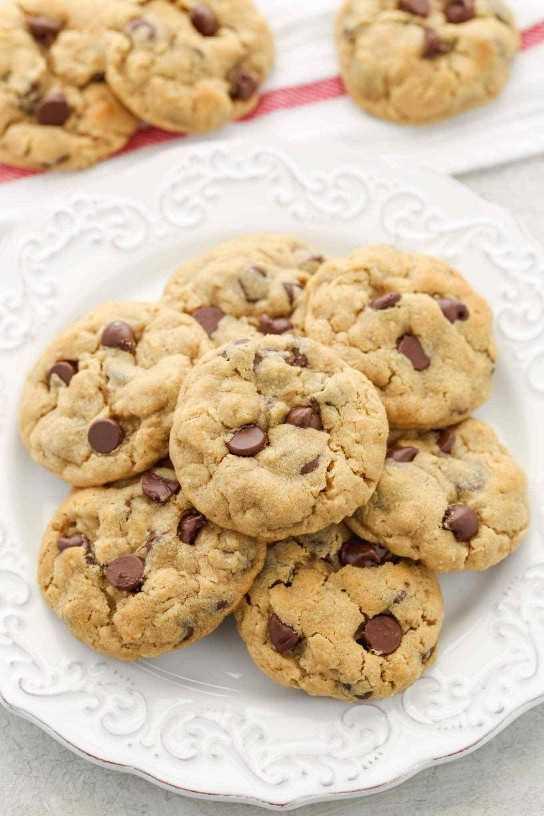 Estas galletas con chispas de chocolate y avena con mantequilla de maní son súper suaves, masticables, espesas y se hornean perfectamente en todo momento. No se requiere enfriamiento de masa!
