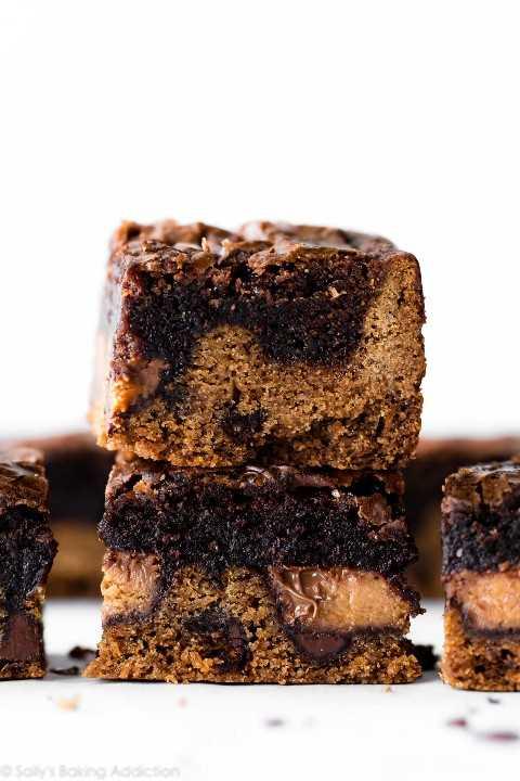 """Barras de brownie de galletas de chispas de chocolate """"width ="""" 600 """"height ="""" 900 """"data-pin-description ="""" Barras de brownie de galletas de chispas de chocolate con tazas de mantequilla de maní rellenas en el interior! Esta sartén de barras de brookie de 9x13 pulgadas es mega deliciosa, ¡para todos los que tienen un diente dulce monstruo! Receta en sallysbakingaddiction.com """"srcset ="""" https://juegoscocinarpasteleria.org/wp-content/uploads/2019/04/Galletas-de-chocolate-Chip-Cookie-Brownie.jpg 1200w, https: //cdn.sallysbakingaddiction.com/wp-content/uploads/2013/02/brownie-peanut-butter-cup-chocolate-chip-cookie-bars-500x750.jpg 500w, https://cdn.sallysbakingaddiction.com/wp -contenido / uploads / 2013/02 / brownie-peanut-butter-cup-chocolate-chip-cookie-bars-600x900.jpg 600w """"tamaños ="""" (ancho máximo: 600px) 100vw, 600px """"/></p> <p>Algunos días me gusta compartir recetas más sanas contigo.</p> <p>Hoy no es uno de esos días.</p> <p style="""