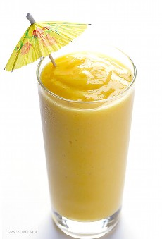 Smoothie Tropical de 5 Ingredientes | gimmesomeoven.com