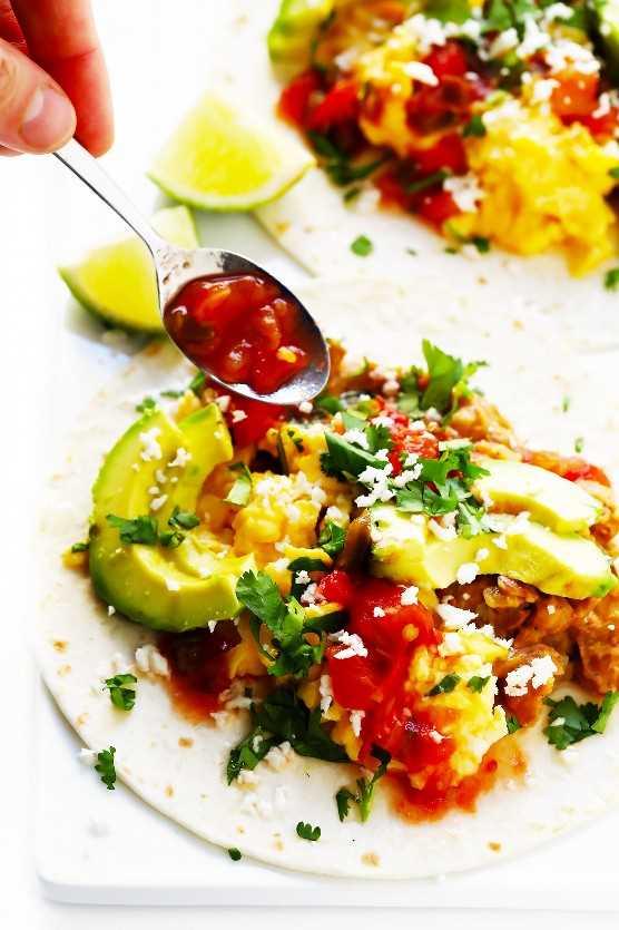 Cómo hacer tacos de desayuno