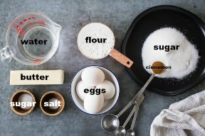 Ingredientes para hacer churros, con etiquetas de texto.