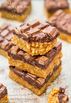Barras de chocolate crujiente de cacahuete Kat Crunch Bars (sin hornear) - Receta fácil en averiecooks.com