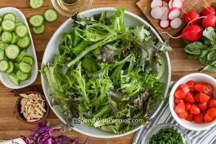 Ingredientes para hacer una ensalada fresca