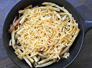 Carne Asada Fries Con Queso Cheddar