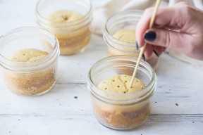 Piercing pastel de tres leches con pincho.