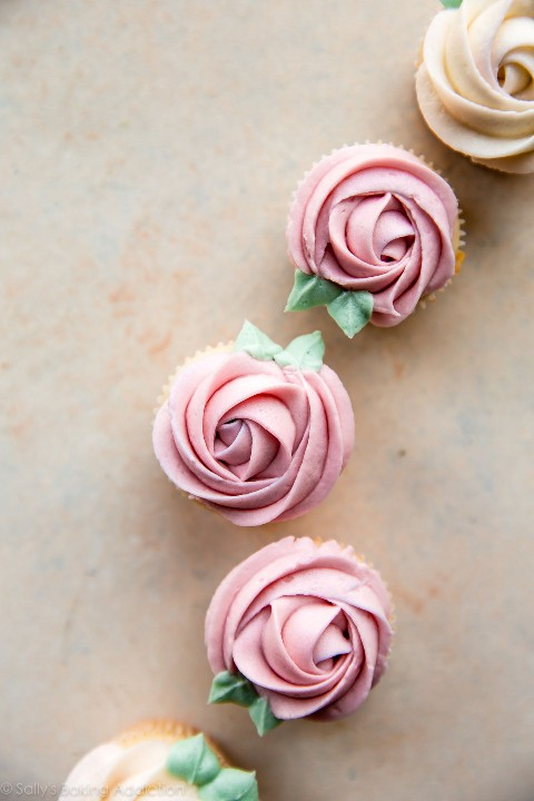 Cómo canalizar rosas con un video tutorial en sallysbakingaddiction.com