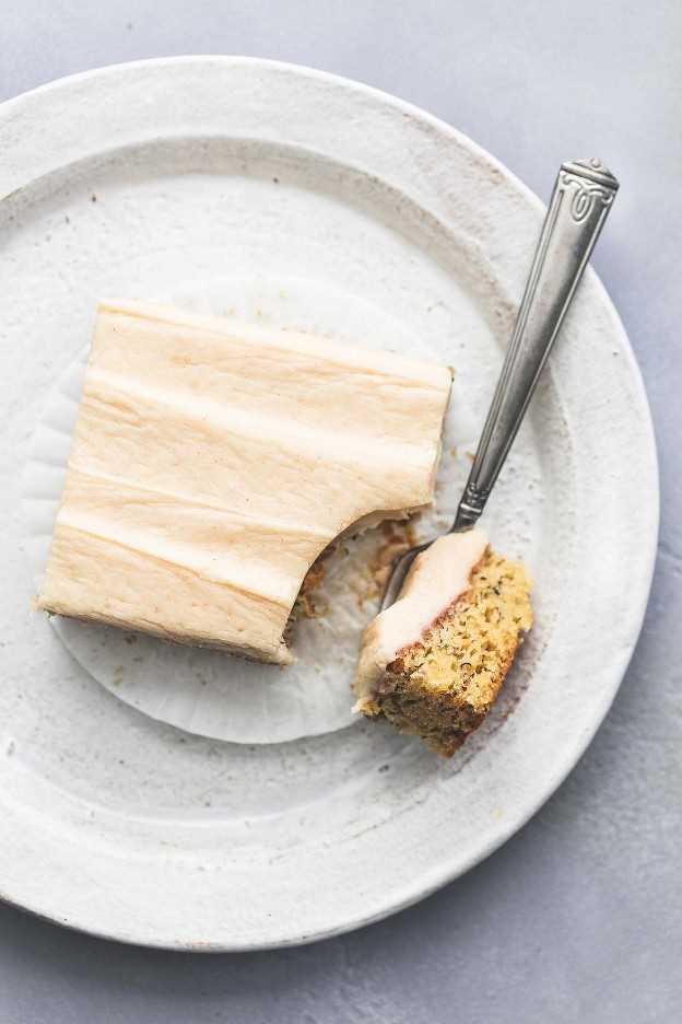 Barras De Plátano Con Receta De Frosting De Queso Crema | lecremedelacrumb.com