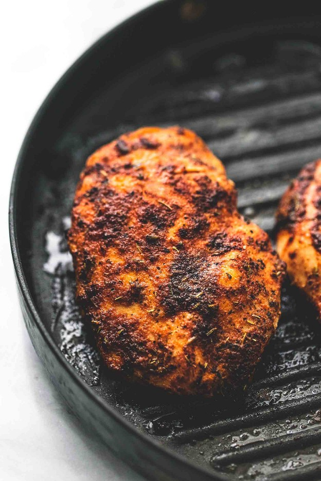 Simple pollo a la parrilla Frote seco receta fácil sabrosa | lecremedelacrumb.com