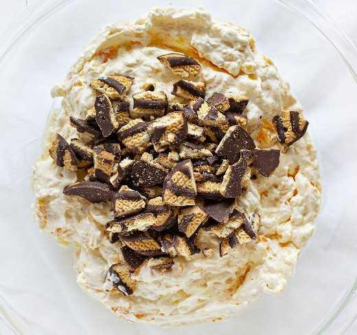 Ensalada De Galletas Mezclada Con Fudge Striped Cookie En La Parte Superior