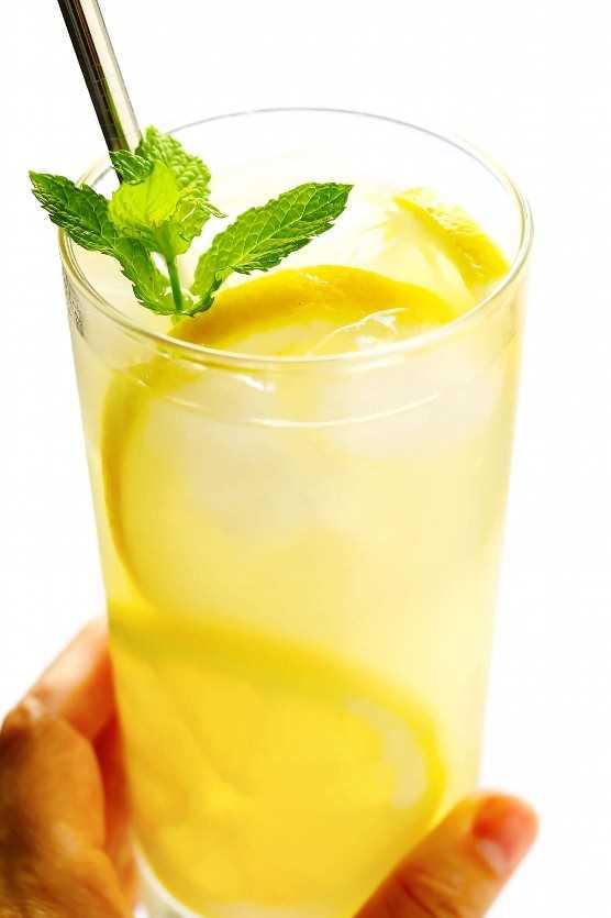 Limonada fresca con menta