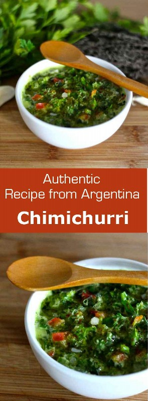 La salsa chimichurri es un aderezo clásico argentino que se usa típicamente en carnes a la parrilla. #Argentina #salsa # vestirse # condimento #vegetaria #vegan #glutenfree