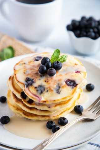 """Panqueques de arándanos en un plato """"class ="""" wp-image-9578 """"srcset ="""" https://i0.wp.com/smartlittlecookie.net/wp-content/uploads/2019/04/Blueberries-Pancakes-Smart-Little- Cookie-6.jpg? Resize = 800% 2C1200 & ssl = 1 800w, https://i0.wp.com/smartlittlecookie.net/wp-content/uploads/2019/04/Blueberries-Pancakes-Smart-Little-Cookie-6 .jpg? resize = 120% 2C180 & ssl = 1 120w, https://i0.wp.com/smartlittlecookie.net/wp-content/uploads/2019/04/Blueberries-Pancakes-Smart-Little-Cookie-6.jpg? cambiar el tamaño = 260% 2C390 & ssl = 1 260w, https://i0.wp.com/smartlittlecookie.net/wp-content/uploads/2019/04/Blueberries-Pancakes-Smart-Little-Cookie-6.jpg?resize=768 % 2C1152 & ssl = 1 768w, https://i0.wp.com/smartlittlecookie.net/wp-content/uploads/2019/04/Blueberries-Pancakes-Smart-Little-Cookie-6.jpg?resize=400%2C600&ssl= 1 400w, https://i0.wp.com/smartlittlecookie.net/wp-content/uploads/2019/04/Blueberries-Pancakes-Smart-Little-Cookie-6.jpg?resize=300%2C450&ssl=1 300w, https://i0.wp.com/smartlittlecookie.net/wp-content/uploads/2019/04/Blueberries- Pancakes-Smart-Little-Cookie-6.jpg? Resize = 600% 2C900 & ssl = 1 600w, https://i0.wp.com/smartlittlecookie.net/wp-content/uploads/2019/04/Blueberries-Pancakes-Smart -Little-Cookie-6.jpg? W = 1600 & ssl = 1 1600w """"tamaños ="""" (ancho máximo: 800px) 100vw, 800px """"data-recalc-dims ="""" 1"""