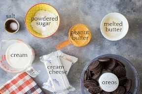 Ingredientes para hacer tarta casera de mantequilla de maní.