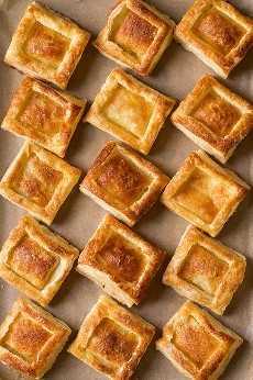 Tortas de massa folhada com recheio de creme de ricota | Cozinha elegante