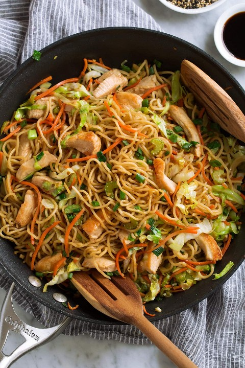 Chow Mein com frango