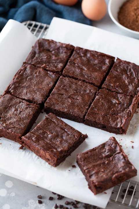 brownies sanos cortados en cuadrados