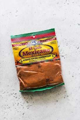 Una bolsa de polvo de achiote (también conocido como semillas de achiote molidas)