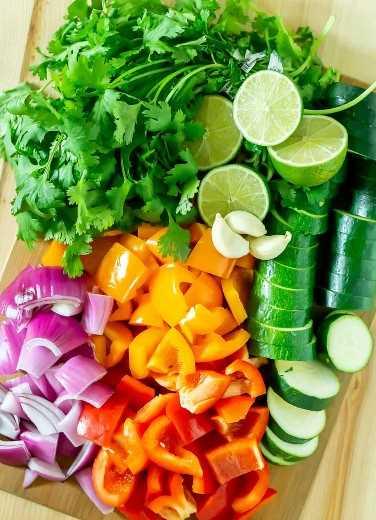 verduras para brochetas de camarones