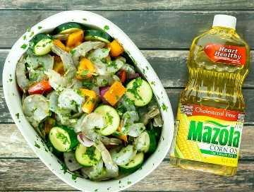 marinar camarones y verduras
