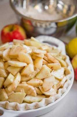 Manzanas en una tarta de manzana