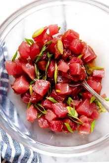 Sushi de atún para hacer poke.