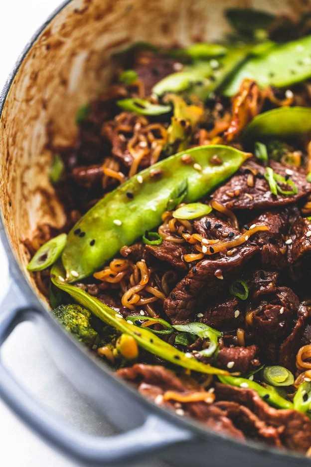 Teriyaki Steak Stir Fry receta de cena fácil | lecremedelacrumb.com