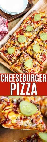 Imagen superior - pizza de hamburguesa con queso en rodajas sobre una tabla para cortar, imagen inferior - cerca de una rebanada de pizza de hamburguesa con queso.