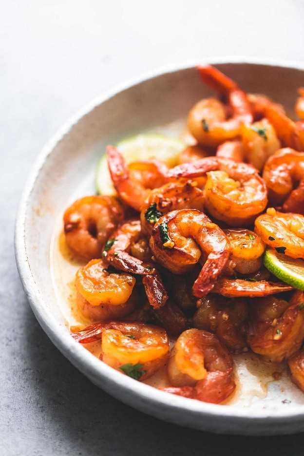 Receta de cena fácil de miel, cilantro, lima, camarones | lecremedelacrumb.com