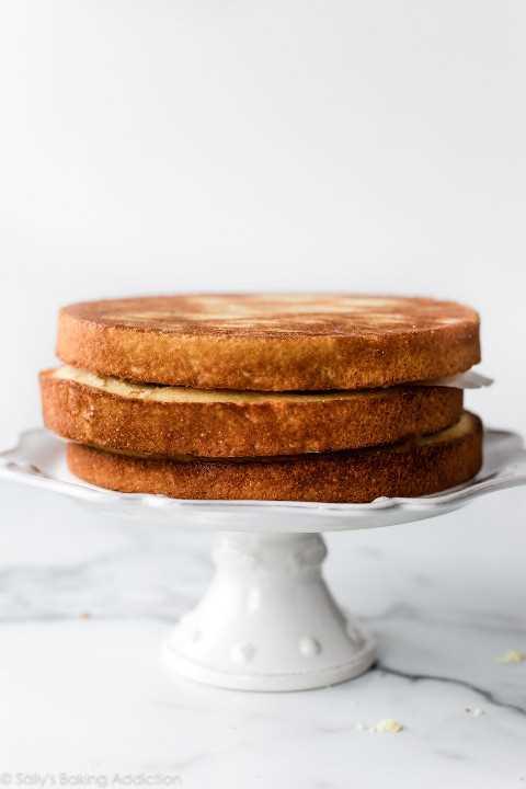 capas de pastel de vainilla