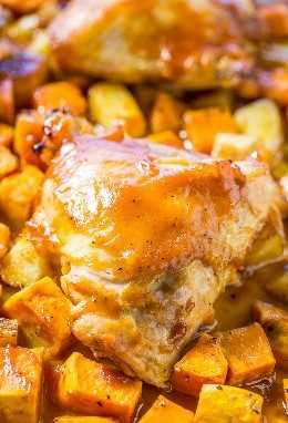 Pollo asado de una sartén y batatas asadas: ¡pollo jugoso y papas tiernas asadas en una sartén! ¡La salsa de barbacoa mantiene todo súper húmedo y sabroso! ¡Limpieza rápida, fácil y cero!