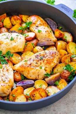 One Pan Lemon Butter Chicken and Potatoes - ¡¡UNA DELICIOSA cena familiar que está lista en 30 minutos y llena de bonitas mantequillas de limón !! ¡ONE PAN te facilita las cosas con menos platos!