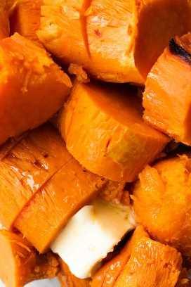 batatas cocidas con mantequilla