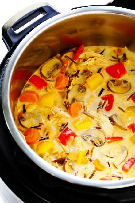 Sopa de pollo al curry tailandés