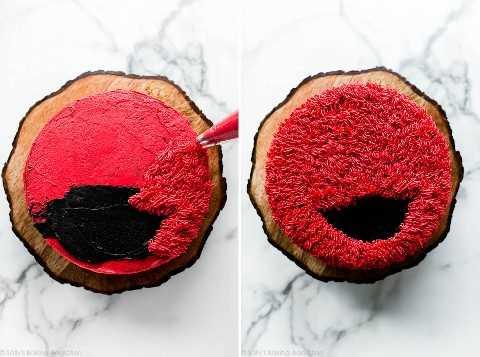 La piel helada de Elmo en un pastel