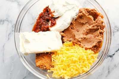 mezcla de frijoles todos juntos en un tazón