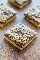 Toffee Almond Bars - ¡Una base ultra BUTTERY hecha con extracto de almendras y cubierta con CHOCOLATE y TOFFEE BITS! ¡Un postre fácil que está listo en 15 minutos pero sabe a esclavo!