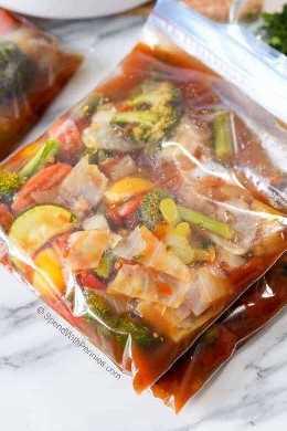 Sopa de verduras en bolsas ziploc