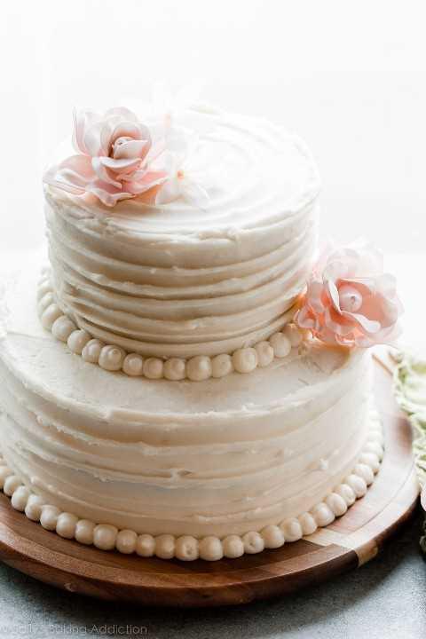 Pastel de bodas casero de 2 niveles