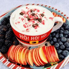 Peppermint Bark Yogurt Dip Recipe postre saludable