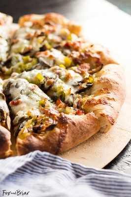 Pizza de alho-poró, bacon e cogumelos   Receita de pizza primavera