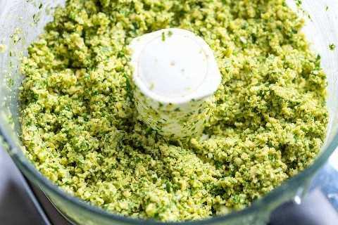 Como fazer a nossa receita caseira favorita de falafel // mistura de Falafel