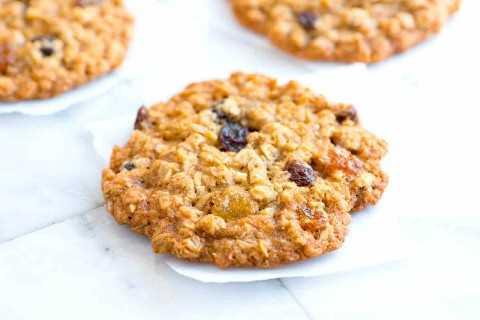 Receta suave y masticable de galletas de avena y pasas de uva