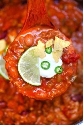 ¡Instant Pot Wendy's Chili es tan sabrosa y abundante como la versión para estufa! #chili #wendyschili #copycatrecipe #instantpot #pressurecooker #sweetandsavorymeals