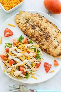 Tacos de pescado de mero de mantequilla de limón de 10 minutos fáciles: ¡rápidos, frescos y saludables! ¡Una receta fácil de taco de pescado que a todos les encanta! Limón, pescado mantecoso con salsa de miel, mostaza y limón encima. ¡Perfecto para noches ocupadas porque son muy rápidas!