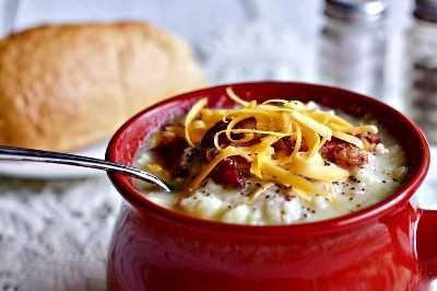 Sopa instantánea de coliflor y papa con queso