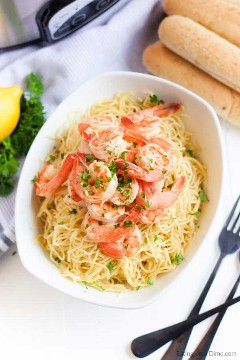 Crock Pot Shrimp Scampi Recipe is a simple and tasty recipe that can be prepared with little effort. Lemon, Parmesan cheese, and more make this meal amazing.